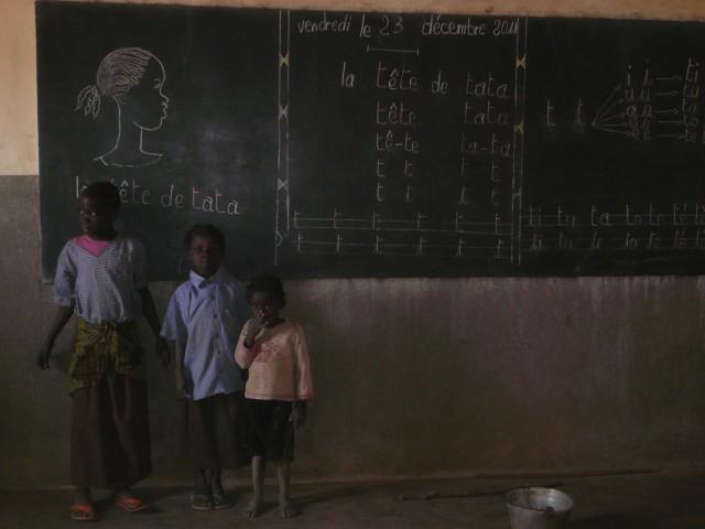Alumnos de Sansana en una de las aulas de la escuela (Foto: David Murcia).